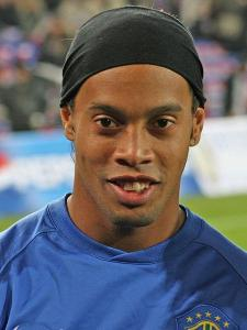 Headers & Volleys - Ronaldinho - The man who plays with a smile
